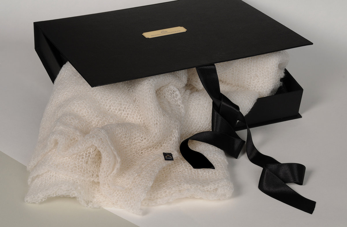gift box for mohair wool shawl